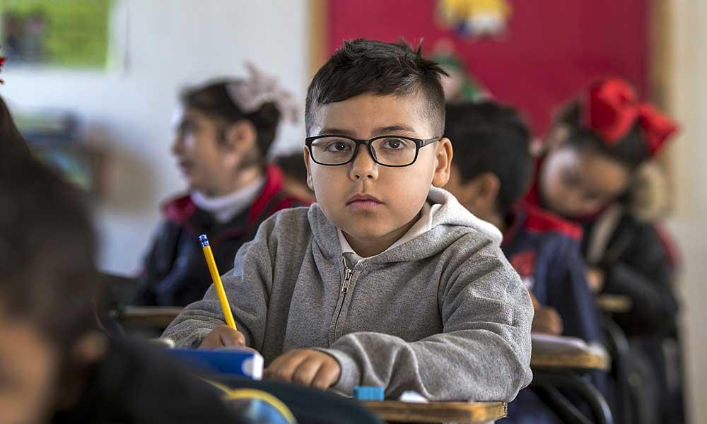 Entrar una hora más tarde a la escuela, mejorará el rendimiento escolar: Estudio