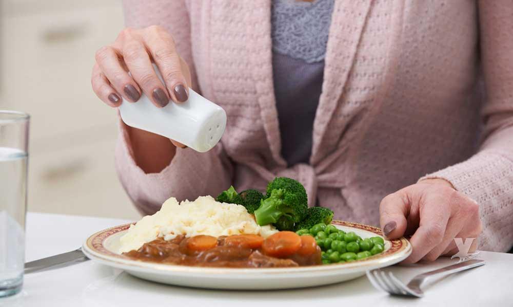 Consumir demasiada sal afecta la salud cerebral