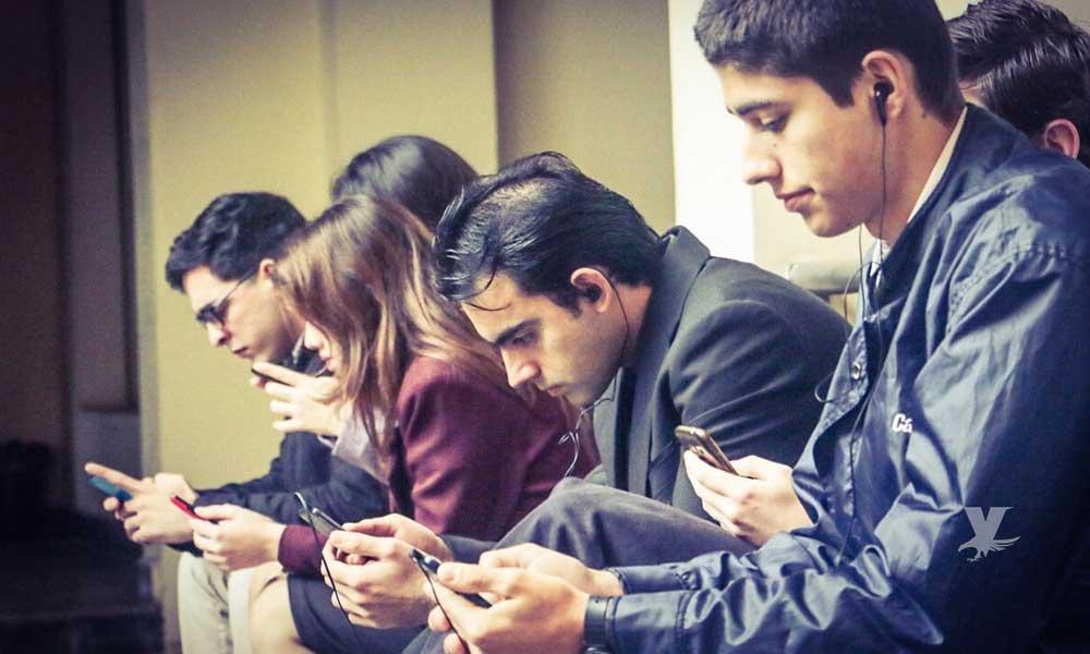 ¿Puedes dejar de usar tu smartphone? Empresa te paga 100 mil dólares por no usarlo durante un año