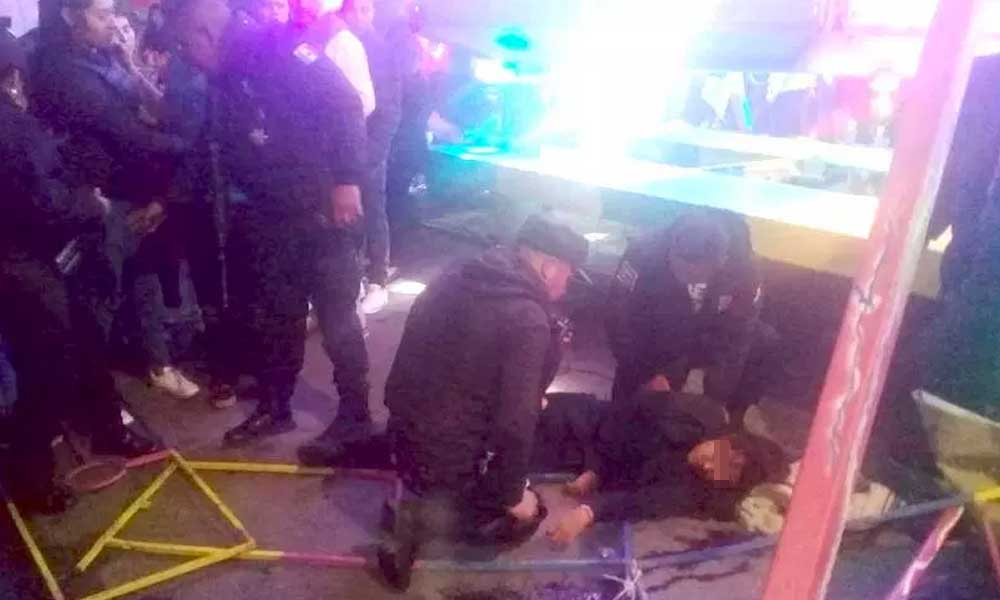 (VIDEO) Adolescente resulta gravemente herida al salir disparada de un juego mecánico