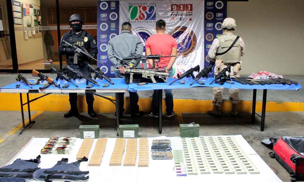 Capturan en Mexicali a 2 sujetos con importante arsenal presuntamente pertenecientes al Cártel de Sinaloa