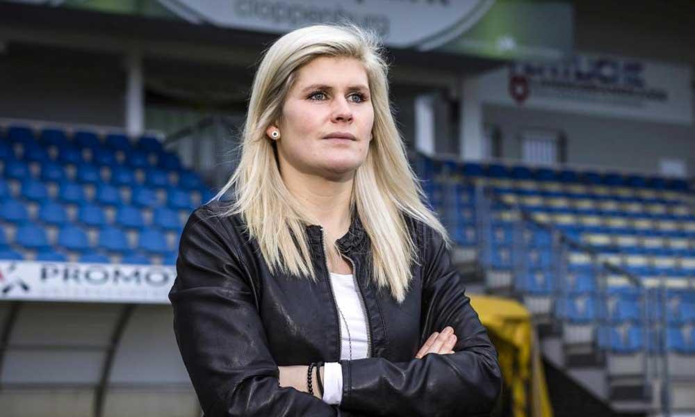 Entrenadora de fútbol dice no elegir a sus jugadores por el tamaño de su pene