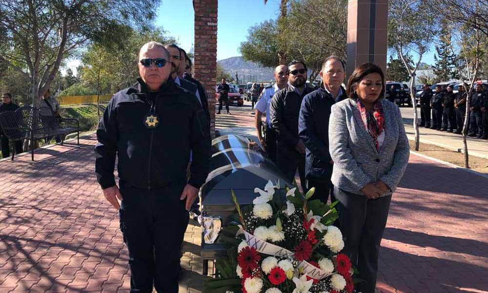Rinden homenaje a Oficial Silvestre Estrada Reyes en Tecate
