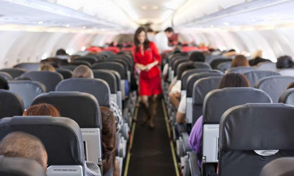 Aerolínea no permitirá volar a la  tripulación si no bajan de peso