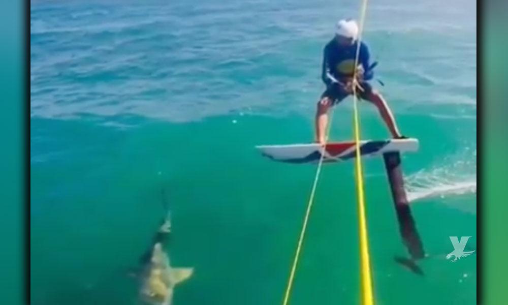 (VIDEO) Deportista en entrenamiento choca contra tiburón