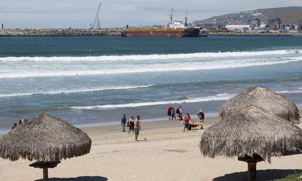 Cierran playas de Ensenada por contaminación