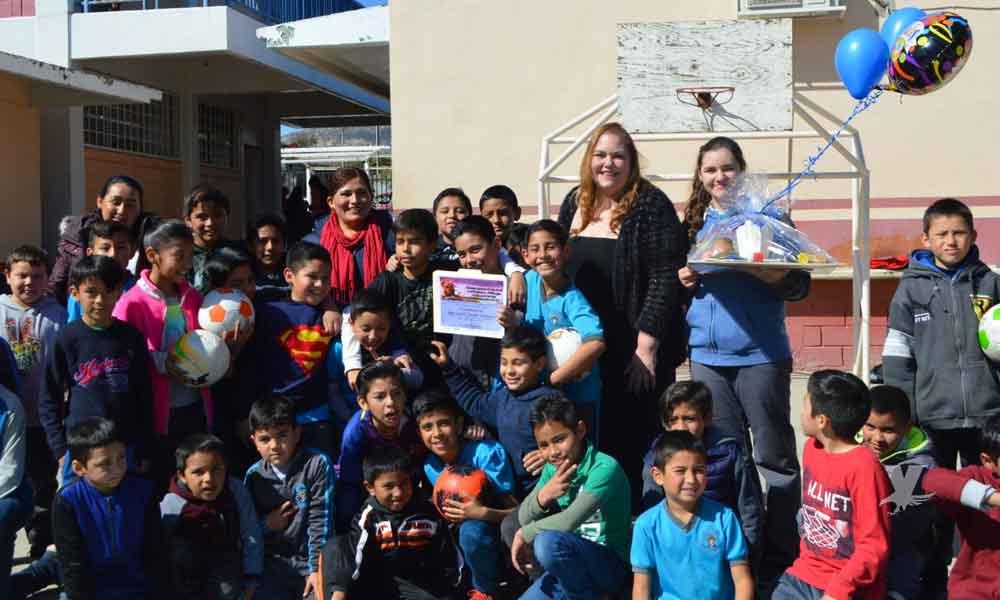 Reciben sus premios niños de Tecate ganadores del 'Concurso Estatal de Pintura y Dibujo Infantil 2018-2019'