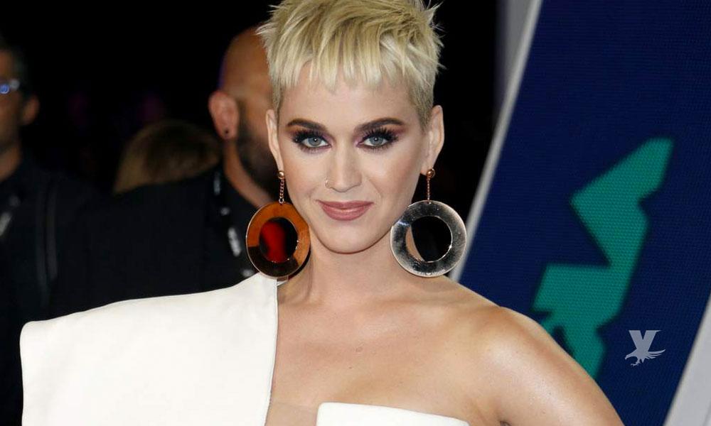 """Línea de zapatos de Katy Perry es retirada del mercado por cuestiones """"racistas"""""""