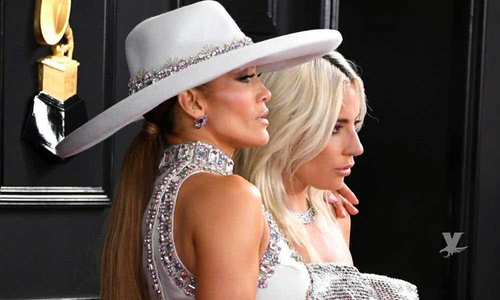 (FOTOS) Lady Gaga y Jennifer López se encontraron en los Premios Grammy con apasionado momento
