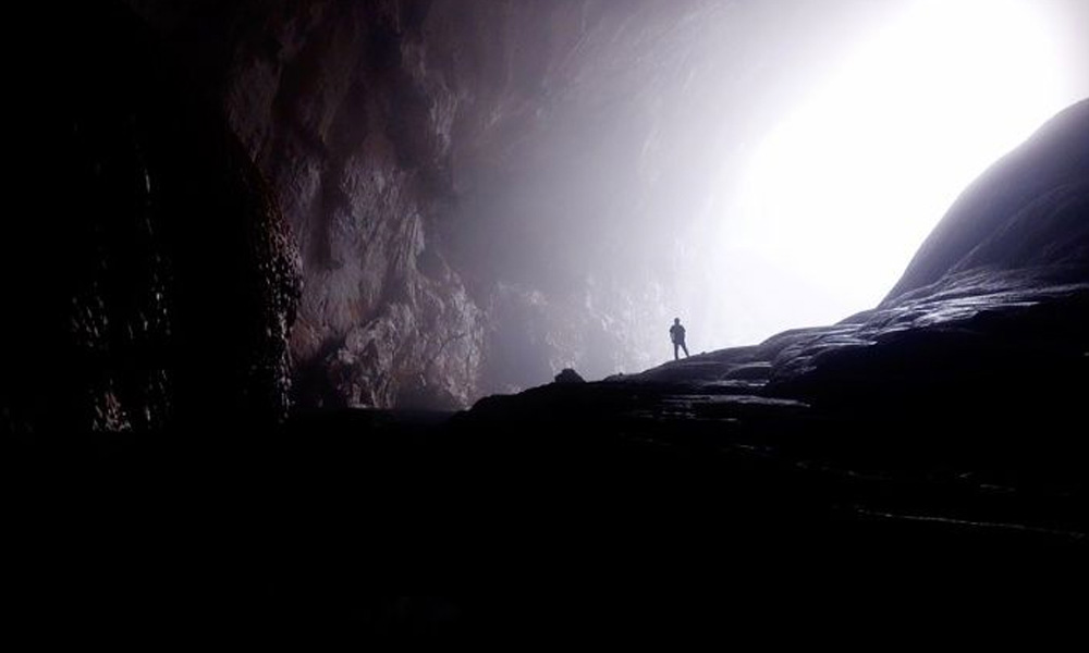 """(VIDEO) Investigadores encuentran """"La Puerta al Infierno"""" en una cueva"""