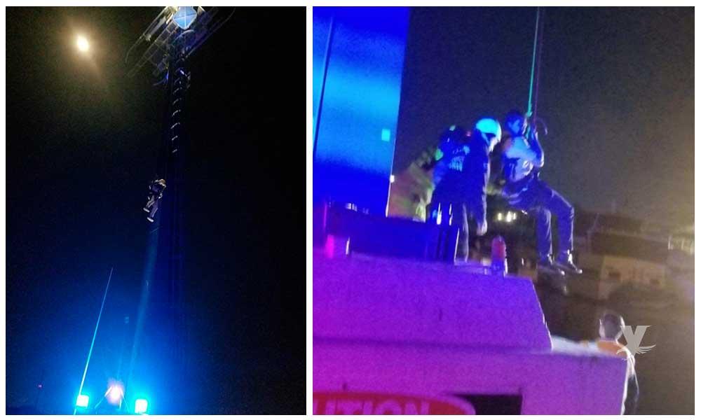 Rescata bomberos a 16 personas atrapadas en atracción de SeaWorld San Diego