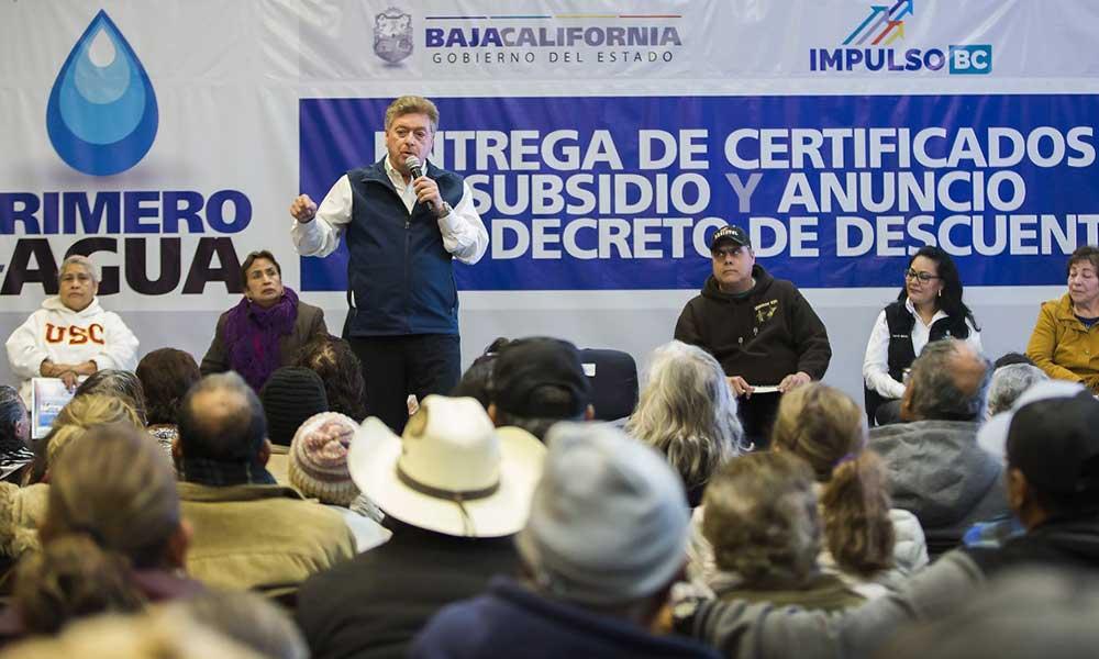 Anuncia Gobernador descuentos en servicio de agua en Baja California