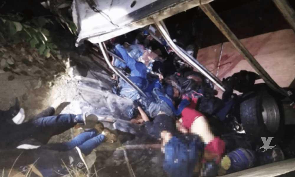 Accidente carretero deja 25 migrantes muertos en Chiapas