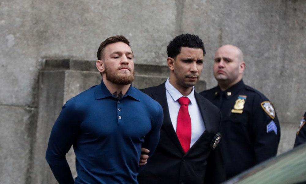 Arrestan al peleador Conor McGregor por agredir a una persona en un hotel