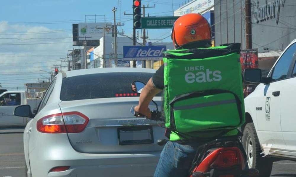 """Presunto sicario viajaba en moto de """"Uber Eats"""" en Tijuana es detenido"""