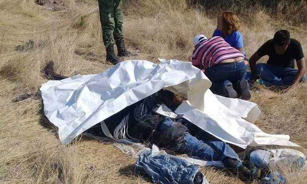Instructor y alumna pierden la vida al fallar el paracaídas
