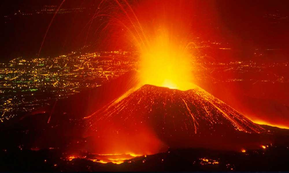 Popocatépetl hace erupción, cambió las cenizas por lava