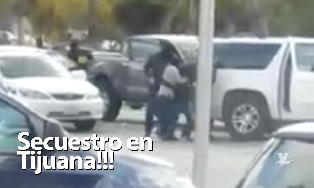 (VIDEO) Secuestran frente a estudiantes a dos hijos de un ex-operador del CAF en Tijuana