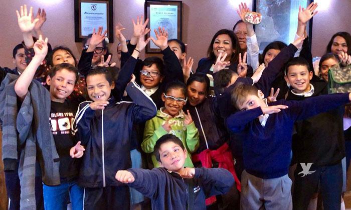 Recibio Alcaldesa Nereida Fuentes a estudiantes de la primaria Club Rotario