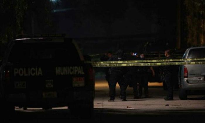 Mueren Municipal y presunto delincuente en balacera en el Rubí