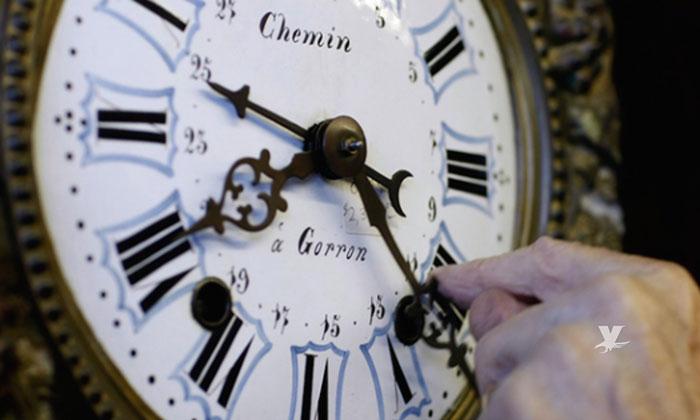 Trump dice sí a que el horario de verano sea permanente en Estados Unidos