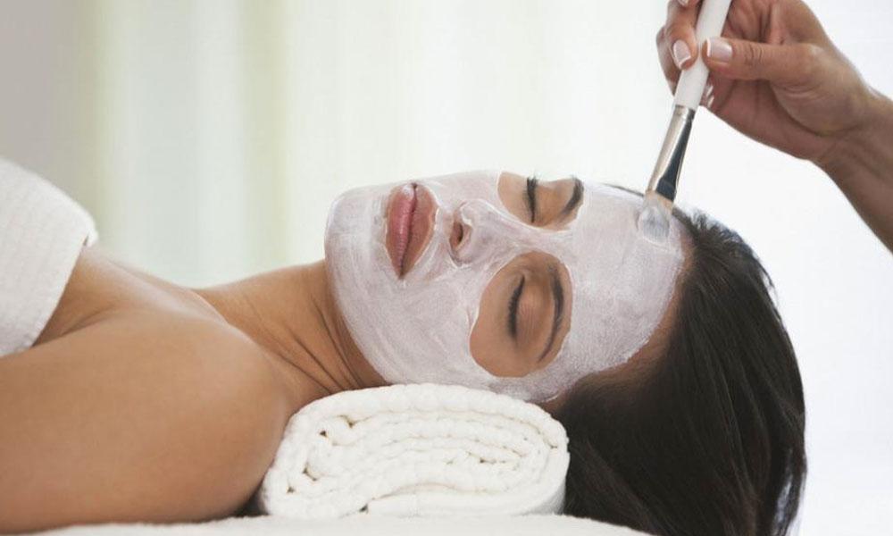 Prepara en tu casa la mejor mascarilla contra las arrugas con bicarbonato y aceite de coco