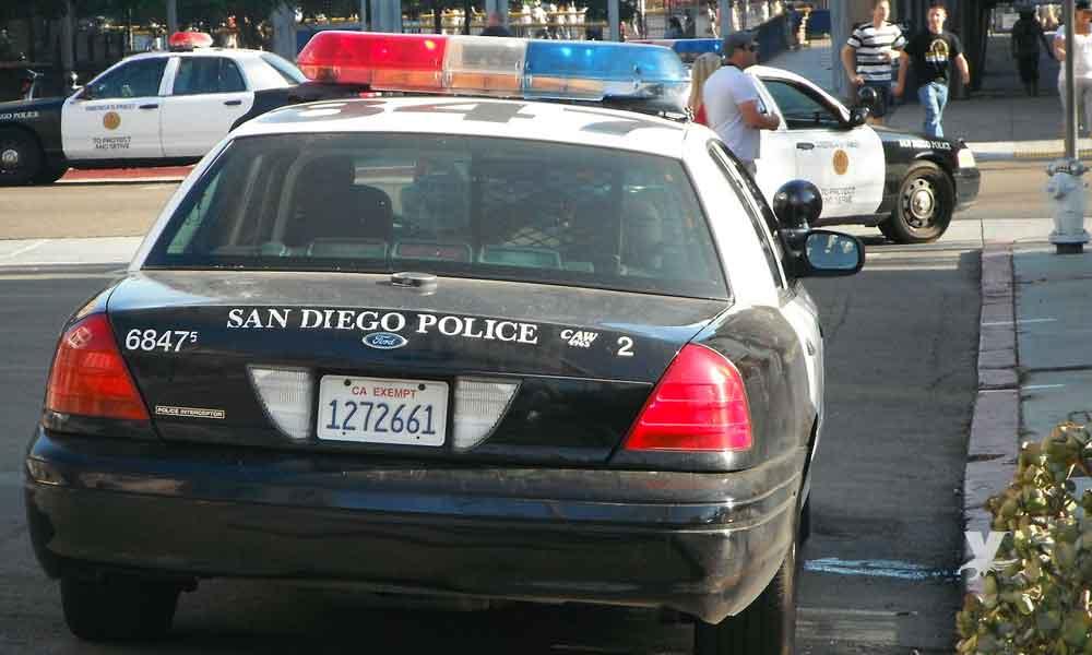 Mujer es detenida en San Diego por amenazar con hacer explotar una iglesia