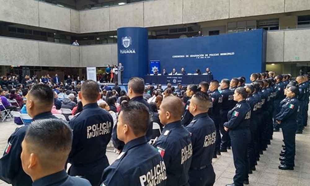 Sin permiso para portar arma toman protesta 52 Policías Municipales en Tijuana