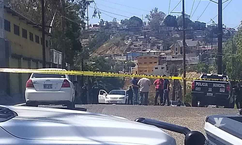 Hombre es atacado por sicario que viajaba en motocicleta de Uber Eats en Tijuana