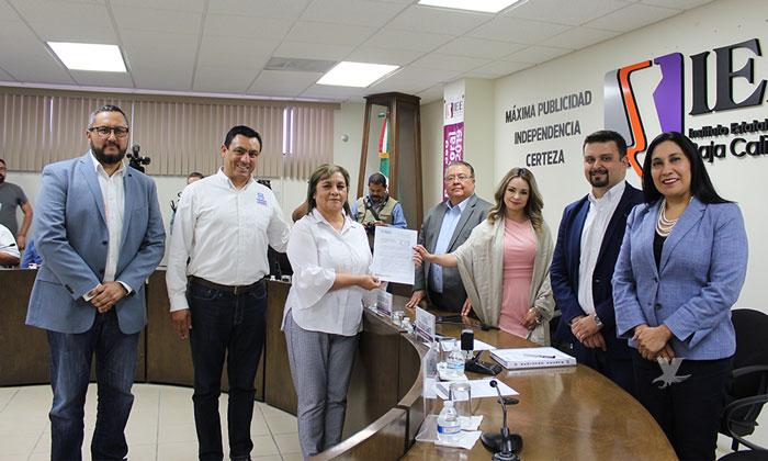 Presenta Lucina Rodríguez solicitud de registro como aspirante a Presidente Municipal de Tecate