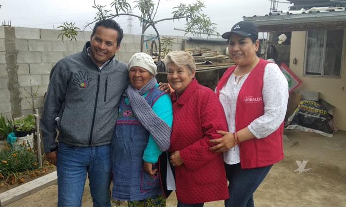 Recorre Javier Urbalejo colonias de Tecate durante su campaña electoral