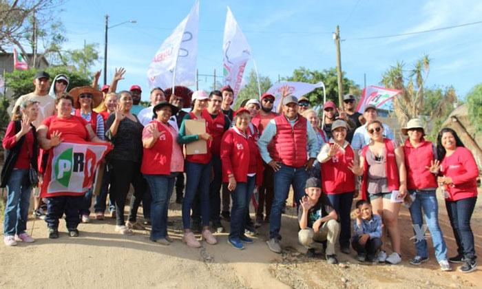 Promete candidato Javier Urbalejo regresar la seguridad y servicios a zona rural de Tecate