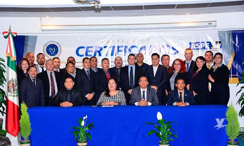 Entrega SSPE certificados de licenciatura en seguridad pública y maestría en ciencias forenses en Tecate