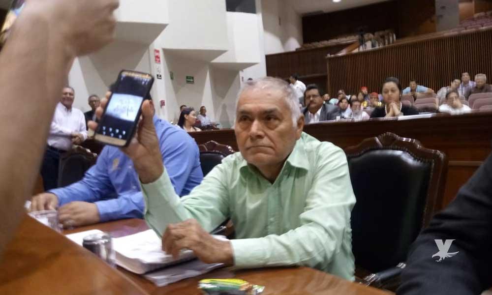 Diputado de Morena acepta que recibió soborno, pero dijo que ¡sólo fueron 300 mil pesitos!