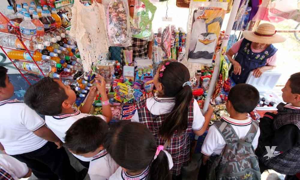 Detienen a mujer que vendía 'kit de dulces con droga' a menores de edad