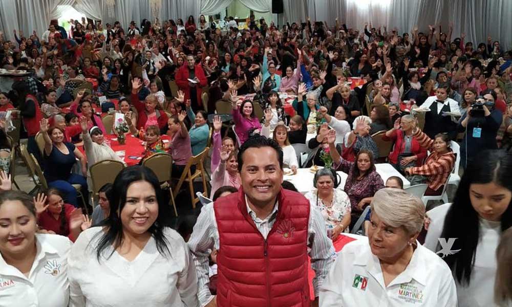 Refrendan apoyo 700 mujeres a Javier Urbalejo