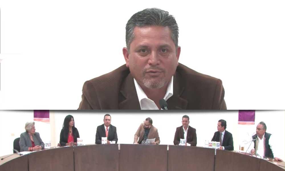 Se declara 'El Profe' Mario Benitez el absoluto ganador del debate electoral por el Distrito VI