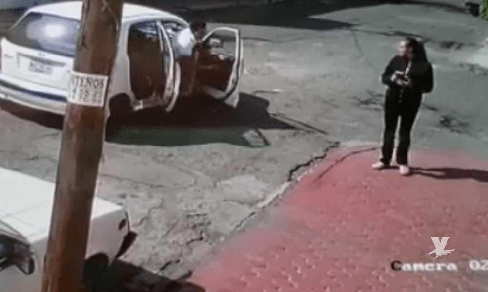 (VIDEO) Mujer escapa de hombres que intentaban secuestrarla