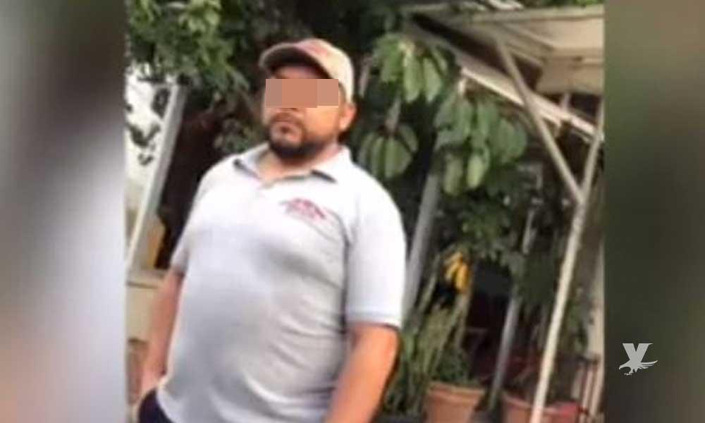 (VIDEO) Pareja gay es corrida por dueño de restaurante por entrar tomados de la mano