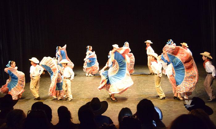 Presenta Ceart Tecate la IV Muestra Estatal de Danza Folklórica