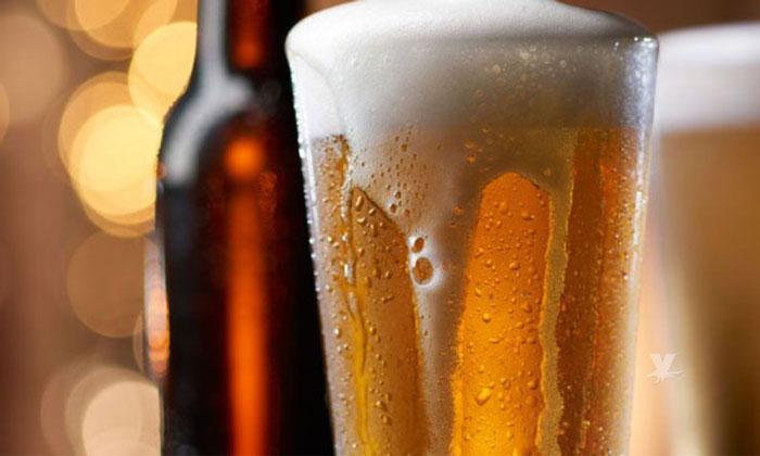Propone Morena subir impuestos a tabaco, alcohol y comida chatarra