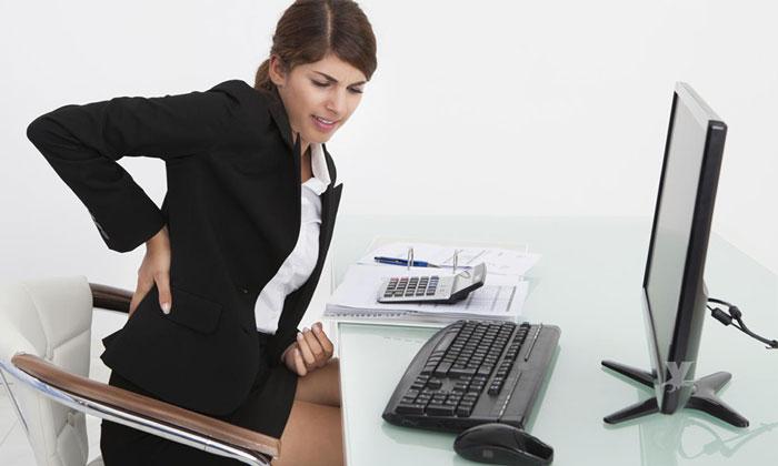 Estar sentado por más de 6 horas podría causarte la muerte