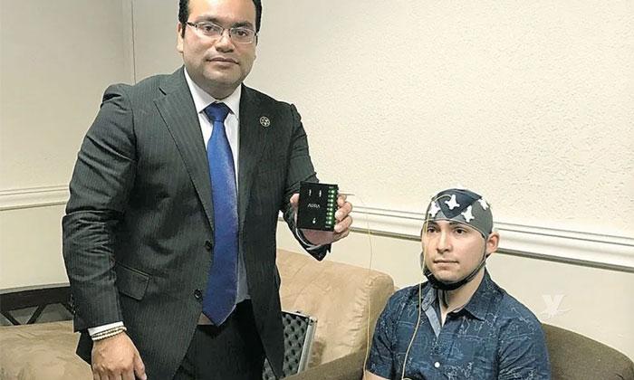 Mexicano logra desarrollar dispositivo que permite mover objetos con la mente