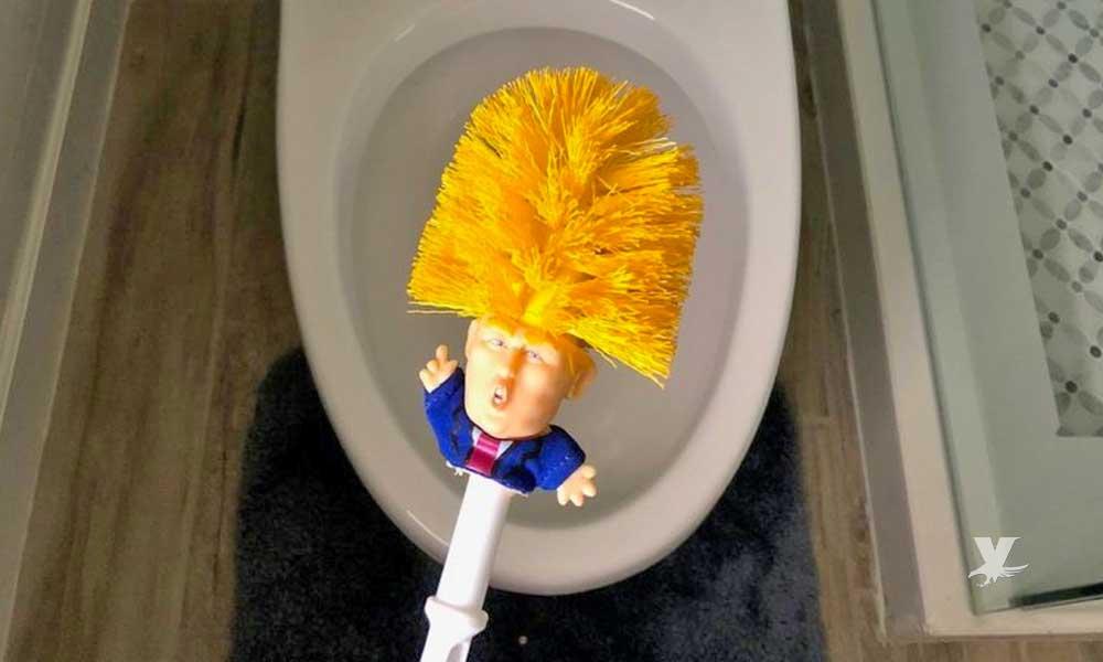 China limpia sus baños con un cepillo que es igual al presidente Donald Trump