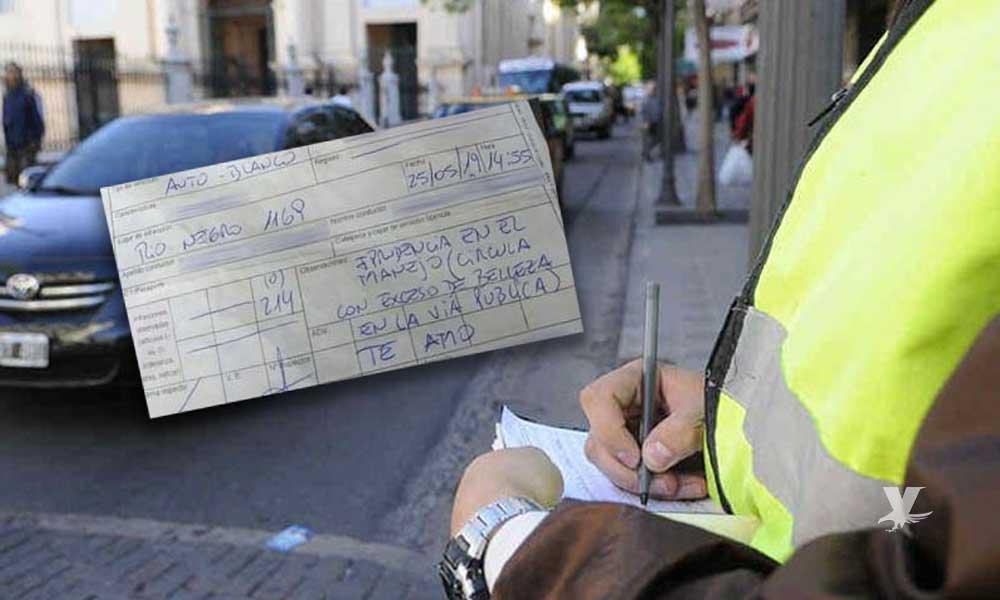"Oficial de policía multa a mujer por ""exceso de belleza"""