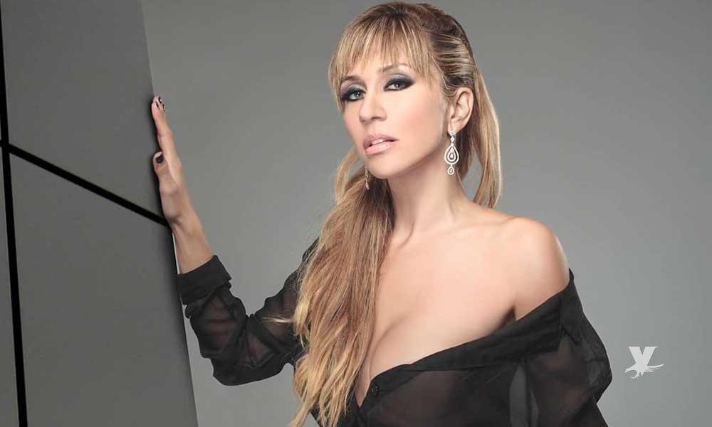 (FOTO) Noelia se quita la ropa para promocionar su video para adultos
