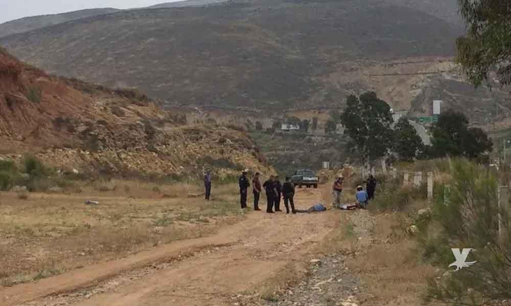 Hombres son atacados a 'machetazos' en un rancho sobre la carretera Tecate-Tijuana