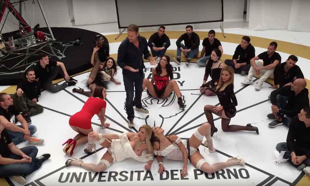 """Inauguran 'Universidad del Porno' para """"formación"""" de las nuevas estrellas del cine para adultos"""