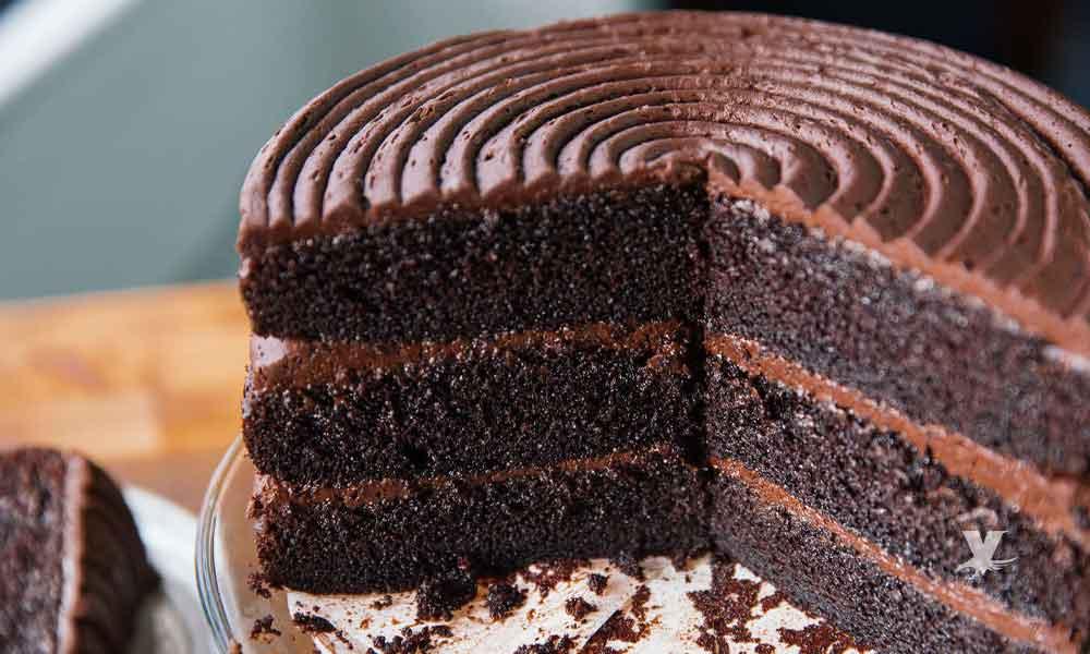 Desayunar pastel de chocolate es la mejor opción para bajar de peso