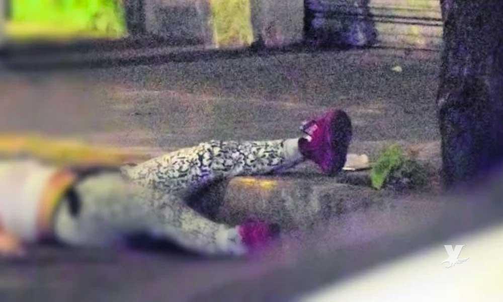 Sicarios ejecutan a mujer después de pedirle dejara a su bebé de 18 meses en el suelo